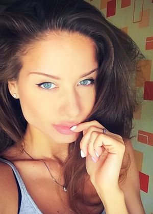 online dating womans day Is online dating a different experience woman who has struggled to find any diamonds amongst the rough myriad of messages she is bombarded with each and every day.