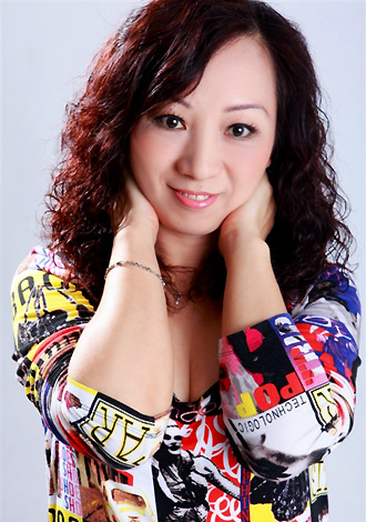 Single girl Zhizhi 53 years old