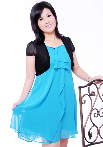 Asian bride Lan from Zhanjiang