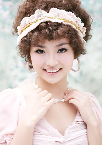 Asian bride Yiming from Beijing