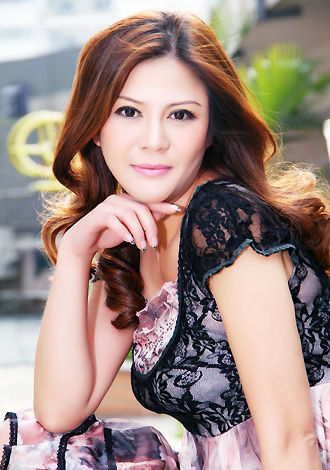 Asian bride Li from Guangzhou