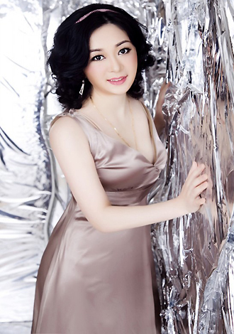Asian bride Qi from Nanning