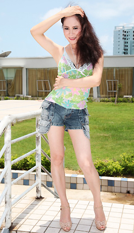 Asian bride Angie from Beihai