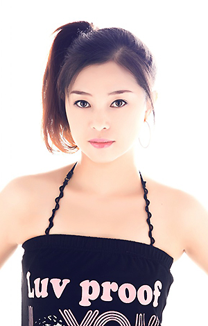 Asian bride Ye from Guangzhou