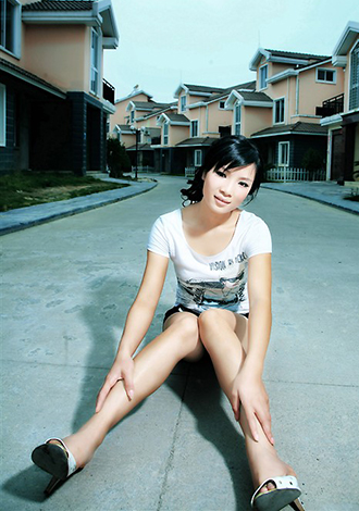 Single girl Guifang 32 years old