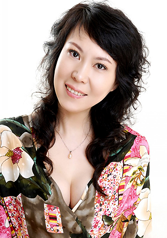 Asian bride HongWei from Harbin