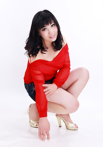 Asian bride Yue from ShenYang
