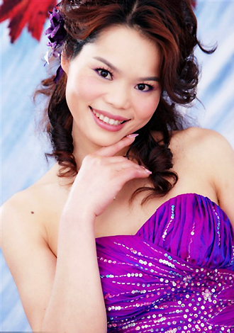 Asian bride Linjun from Guilin
