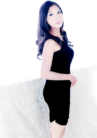 Single girl Weiqing 35 years old