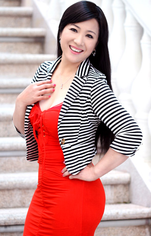 Single girl Xiaoyan 52 years old