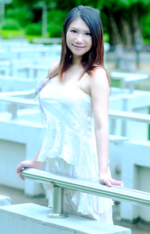 Single girl Ling 38 years old