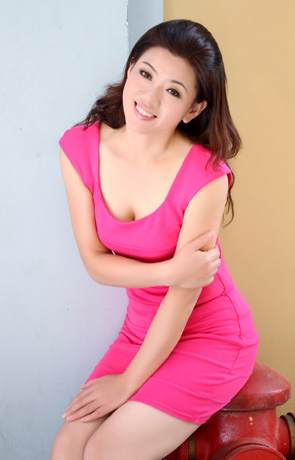 Single girl Yi 49 years old