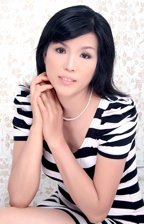 Single girl Meirong 57 years old