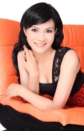 Asian bride Yafeng from Nanning
