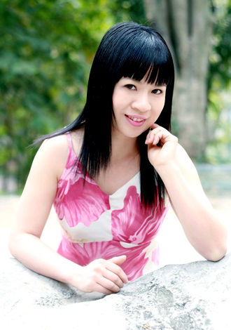 Asian bride Qin from Nanning