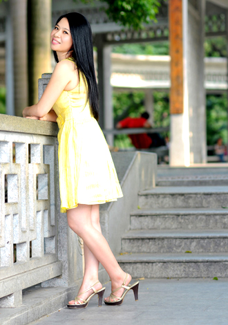 Single girl Qin 48 years old