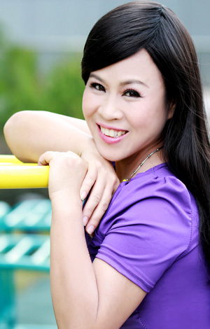 Asian bride XiuYing from Nanning