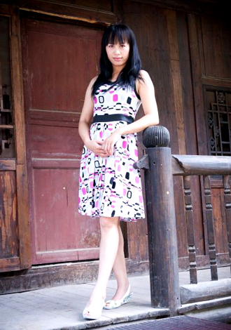 Single girl YanLian 46 years old
