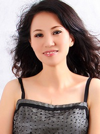 Asian woman Huiwen from Nanning, China