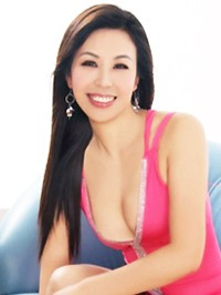 Single Ping (Linda) from Zhongshan, China