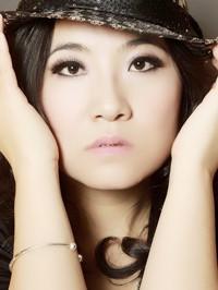 Asian woman JiaJia from Guangzhou, China