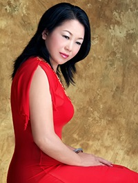 Single Zhu (Tracy) from Zhanjiang, China