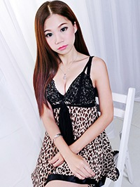 Single Zhiqing (Jenny) from Zhanjiang, China