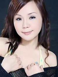 Asian woman Ting (Sammy) from Zhanjiang, China