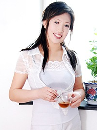 Asian woman Shukun (Susan) from Zhanjiang, China