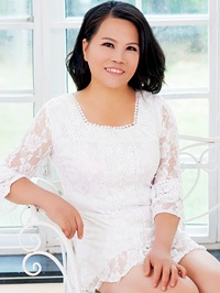 Asian Bride Wenfang from Beihai, China