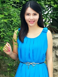 Russian single Rongling (Amy) from Nanning, China