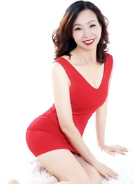 Asian woman Cindy from Shenzhen, China