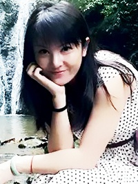 Russian single Yan (Alice) from Guilin, China