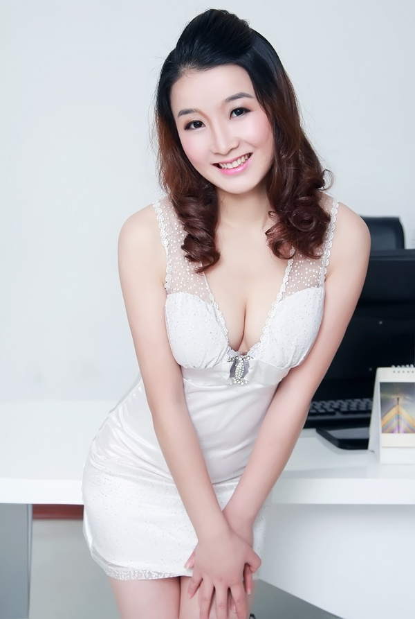 changsha single asian girls Self description: hey, there, glad to know you, i am crystali am a single chinese girl, living in a crowded city, changsha i am staying alone in a tall building with a great view.