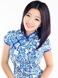 Asian woman Jinyan (Share) from Shenyang, China