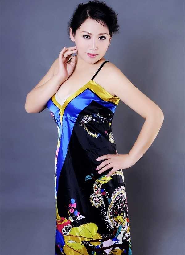 alva asian single women Asian singles, both men and women, are increasingly choosing dating sites to  meet the right people, and elitesingles aims to bring together the best matches  for.