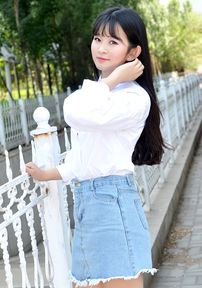 Single girl Xiaotong (Wendy) 22 years old