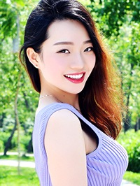 Single Aixin (Miriam) from Tangshan, China
