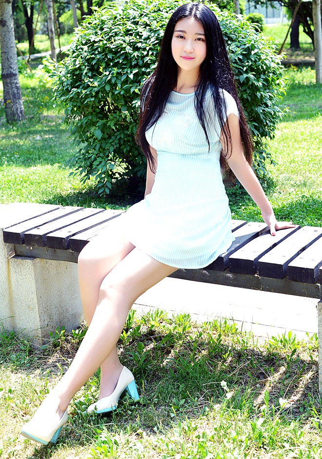 Single girl JiaYin (Zora) 22 years old