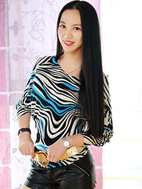 Single Yuhang (Molly) from Shenyang, China