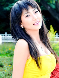Asian Bride Qian from Fushun, China