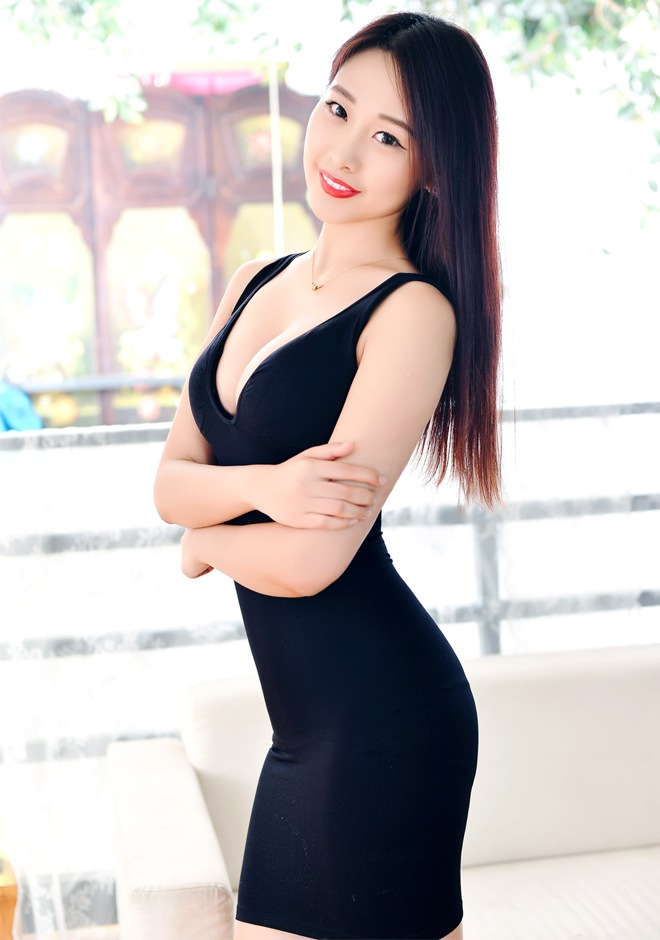 Single girl Yue (Eileen) 25 years old