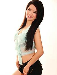 Asian woman Shanshan from Guangzhou, China