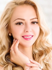 Single Yaroslava from Mariupol, Ukraine