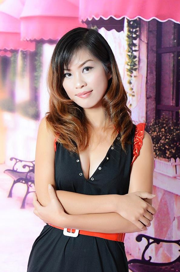 Id 42218 Hot Asian Lady Guangmei From Zhangjiang 28 Yo Hair
