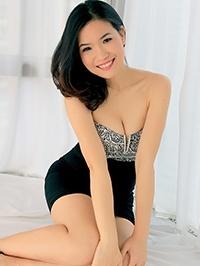 Asian woman Yonghong (Selina) from Shenzhen, China