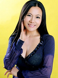 Asian woman Haiying (Helen) from Shenzhen, China