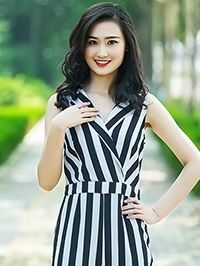 Single Jie (Jess) from Rizhao, China
