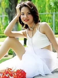 Asian woman Chunlan from Penglai, China