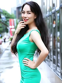 Asian Bride Yaqi from Sanming, China